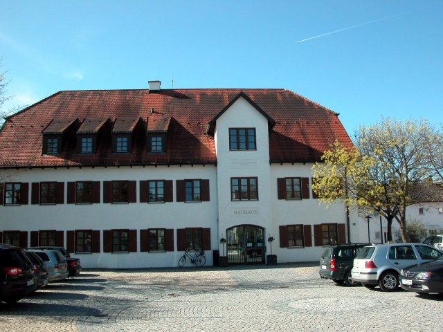 Rathaus Zolling, April